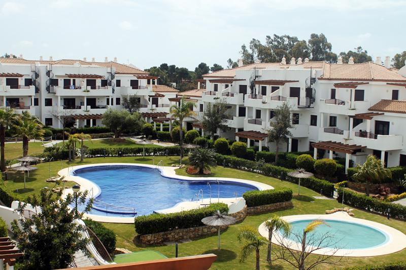 Apartamento primera planta -                                       Coto De Sancti Petri -                                       2 dormitorios -                                       5 ocupantes