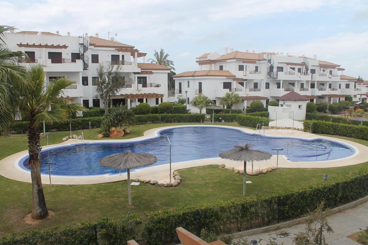 Apartamento ático -                                       Coto De Sancti Petri -                                       2 dormitorios -                                       5 ocupantes