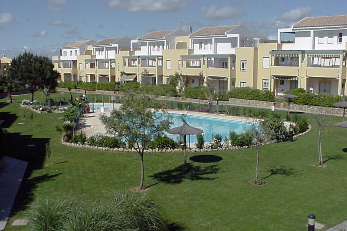 Apartamento primera planta -                                       Jardín Del Golf 1 -                                       2 dormitorios -                                       6 ocupantes